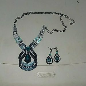 Bundle set Necklace and earings